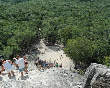 coba Pyramide Nohoch Mul et foret