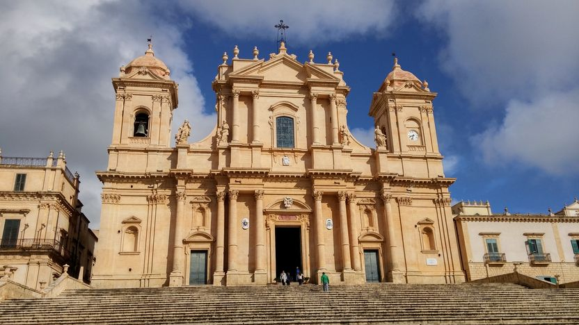 Noto-cathedral-st-nicolo ext