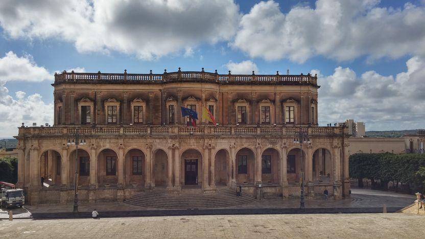 noto-palazzo-ducezio-mairie