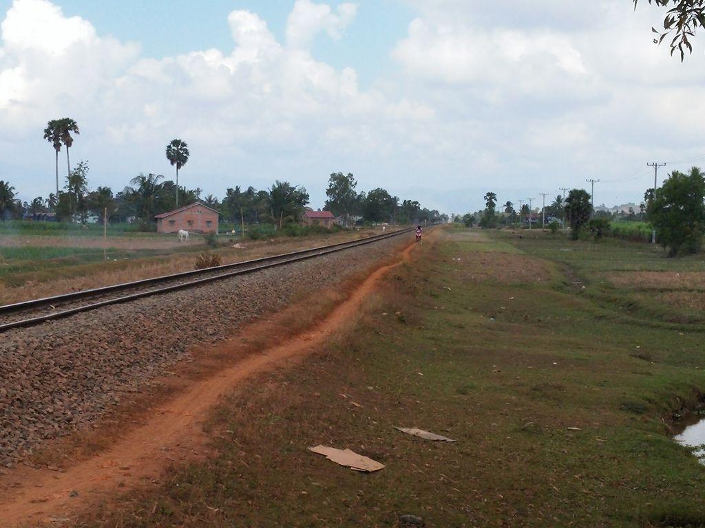 kampot-campagne-voie-ferre