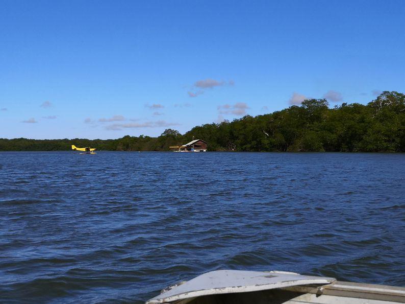 hydravion-houseboat