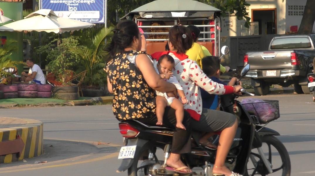 kampot-ville-scooter-à-4